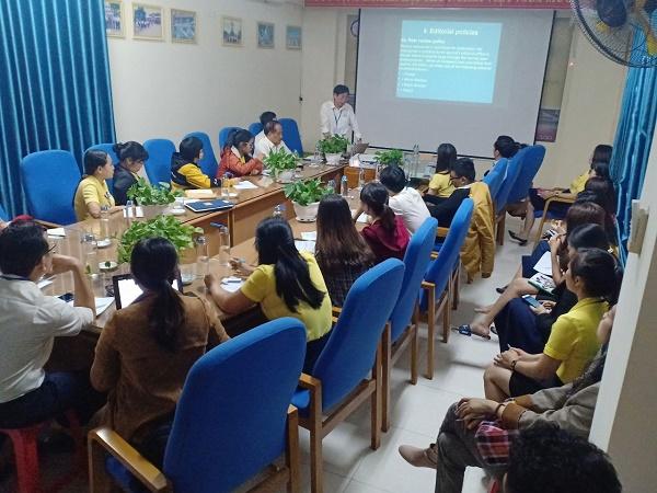 PGS.TS. Nguyễn Đình Phư – Hiệu trưởng nhà trường, hướng dẫn cách gởi đăng các bài báo quốc tế