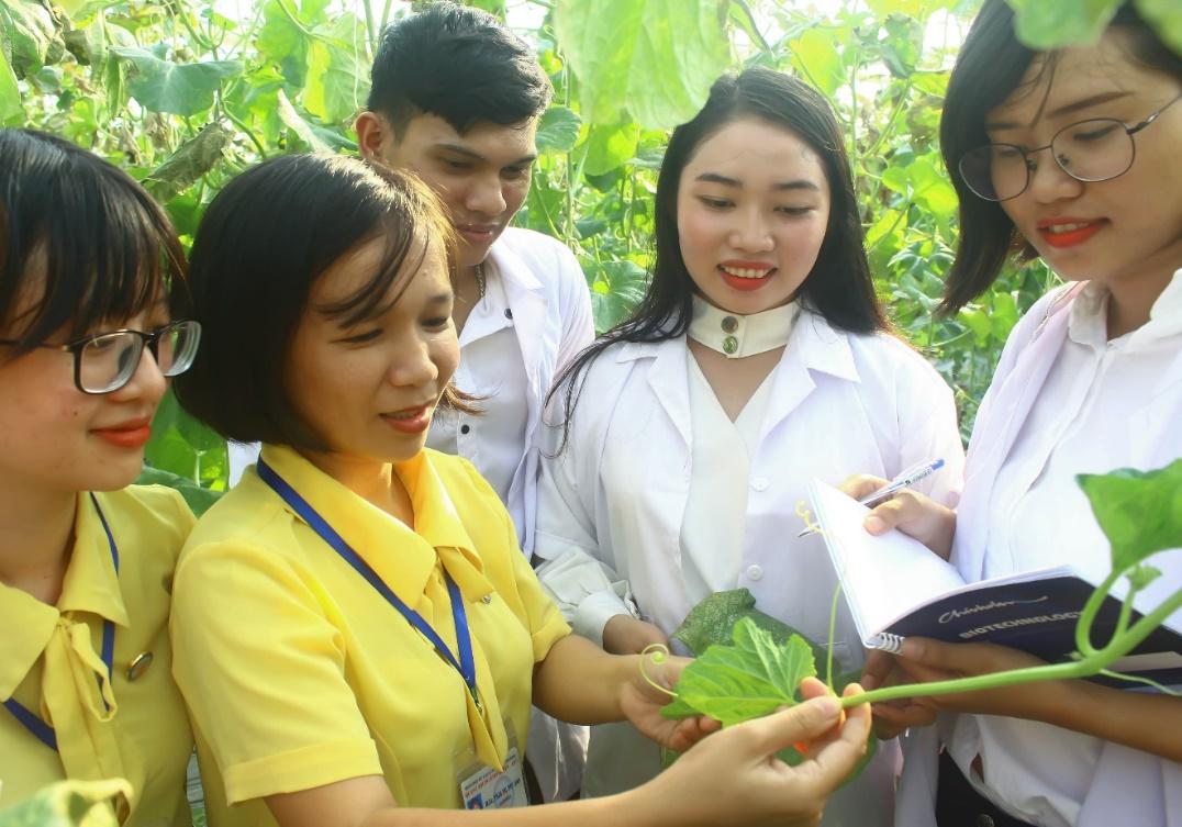 Chương trình đào tạo ngành Công nghệ Sinh học