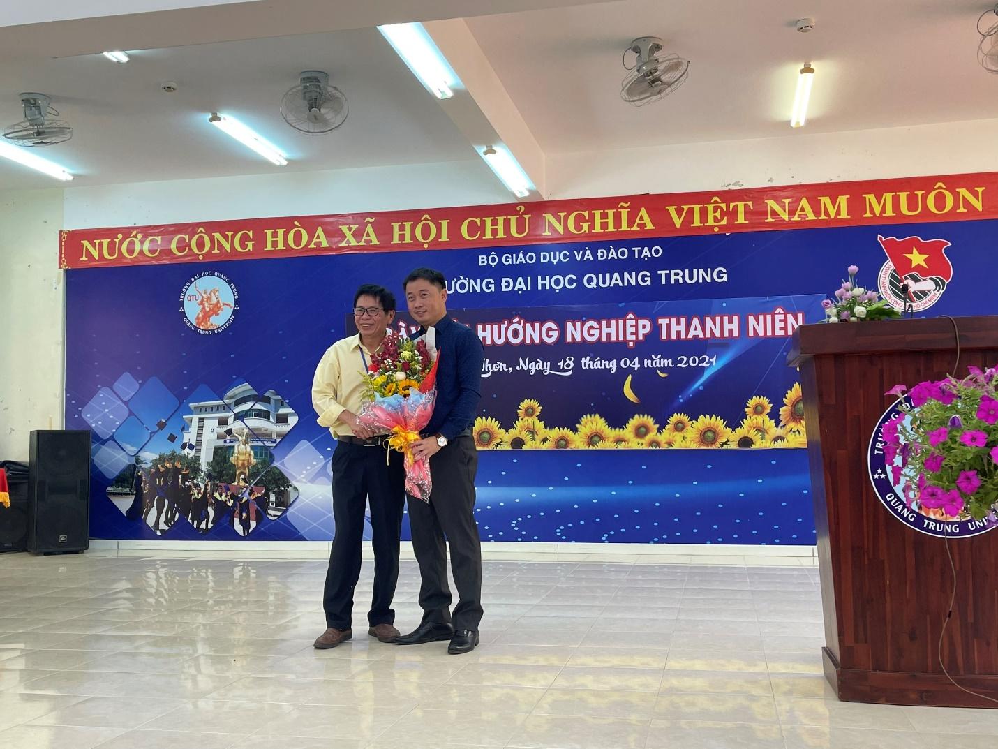 Học thật, làm đúng, sống tử tế là thông điệp mà Trường Đại học Quang Trung và diễn giả Nguyễn Mai Lâm gửi đến Ngày hội Hướng nghiệp Thanh niên 2021?